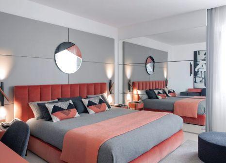 Hotelzimmer mit Clubs im Plaza E De Russie