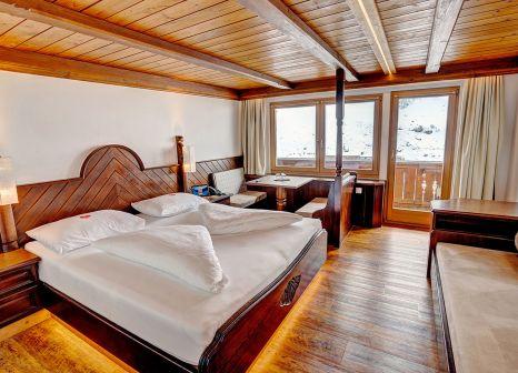Hotelzimmer mit Tischtennis im Alpenbad Hotel Hohenhaus