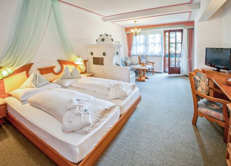 Hotelzimmer mit Volleyball im Hotel Trattlerhof
