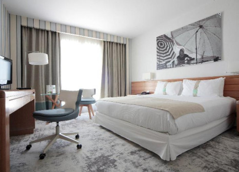 Hotelzimmer mit Golf im Holiday Inn Nice - Saint Laurent Du Var