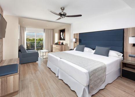 Hotelzimmer mit Mountainbike im Hotel Riu Palace Oasis