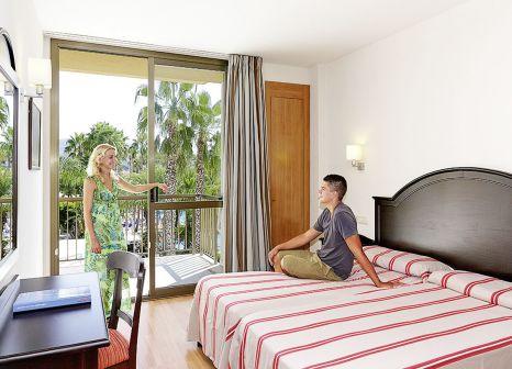 Hotelzimmer mit Mountainbike im allsun Hotel Estrella & Coral de Mar