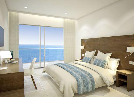 Hotelzimmer mit Mountainbike im allsun Hotel Riviera Playa