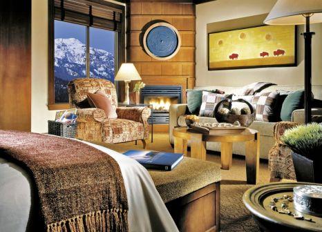 Hotelzimmer mit Mountainbike im Four Seasons Resort and Residences Whistler