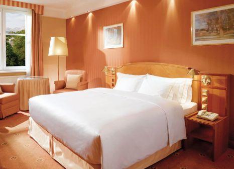 Hotelzimmer mit Tennis im Sheraton Grand Salzburg