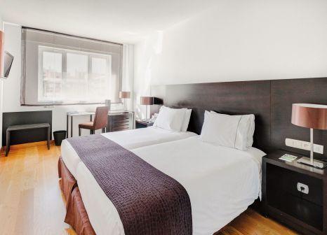 Hotelzimmer mit Whirlpool im Rafaelhoteles Atocha
