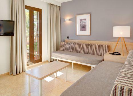 Hotelzimmer mit Volleyball im Protur Floriana Resort Aparthotel