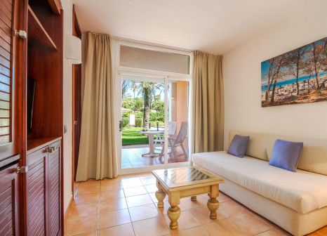 Hotelzimmer mit Volleyball im Blau Colonia Sant Jordi Resort & Spa