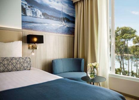 Hotelzimmer mit Minigolf im Valamar Carolina Hotel & Villas