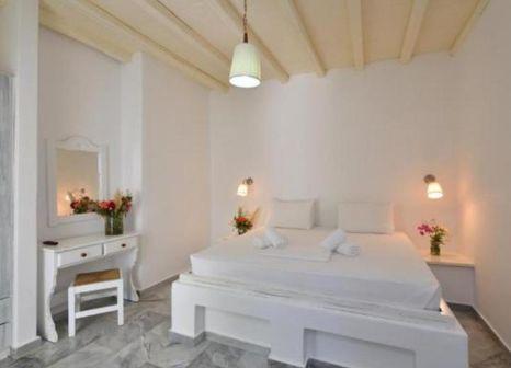 Hotelzimmer mit Mountainbike im Surfing Beach Paros