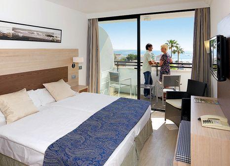 Hotelzimmer mit Mountainbike im allsun Hotel Eden Alcudia