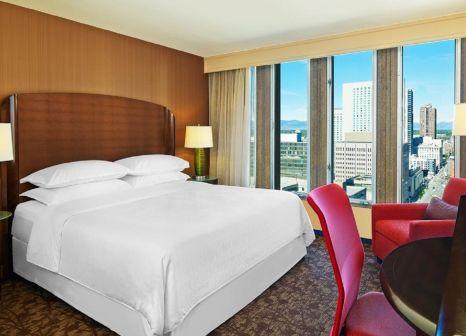 Hotelzimmer mit Pool im Sheraton Denver Downtown Hotel