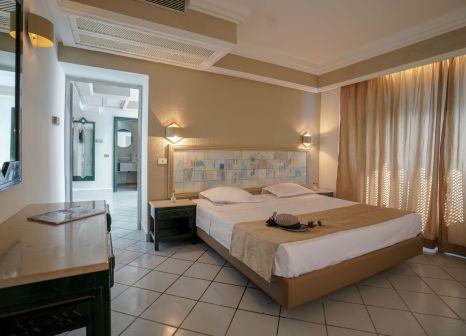 Hotelzimmer mit Volleyball im Novostar Budget Pyramides Club & Spa