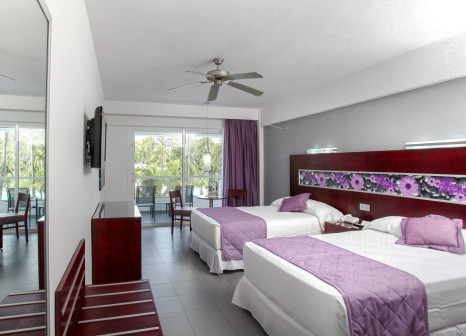 Hotelzimmer mit Golf im Hotel Riu Naiboa