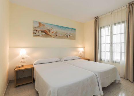 Hotelzimmer mit Mountainbike im THB Royal