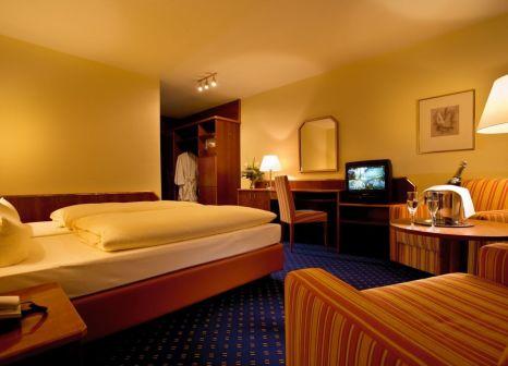 Hotelzimmer im Bäder Parkhotel & Sieben Welten Therme & Spa Resort günstig bei weg.de