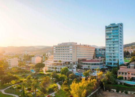 Hotel St Raphael Resort günstig bei weg.de buchen - Bild von FTI Touristik