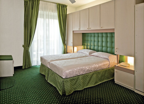 Hotelzimmer mit Minigolf im Hotel Cambridge