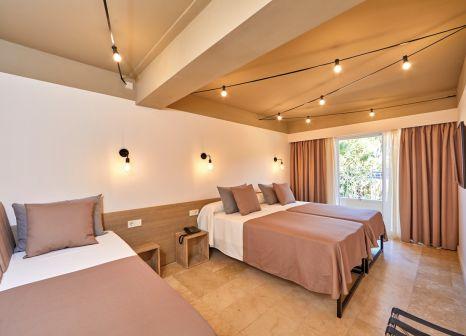 Hotelzimmer mit Tischtennis im tent Capi Playa