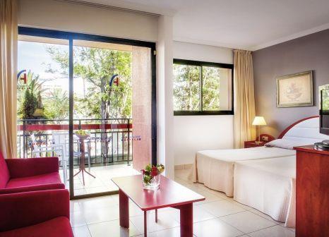 Hotelzimmer mit Mountainbike im La Siesta