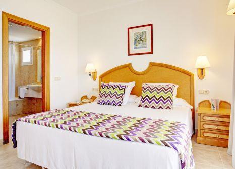 Hotelzimmer mit Tischtennis im Grupotel Santa Eulària & Spa