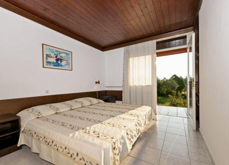 Hotelzimmer mit Minigolf im Naturist Park Koversada Villas & Apartements