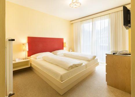 Hotelzimmer mit Tischtennis im Landhotel Rosentaler Hof