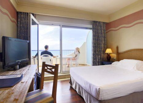 Hotelzimmer mit Mountainbike im Playa Victoria