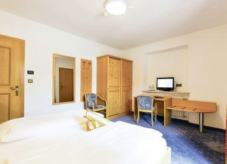 Hotelzimmer mit Volleyball im Hotel Schneeberg Family Resort & Spa