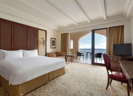 Hotelzimmer mit Minigolf im Shangri-La Al Husn Resort & Spa