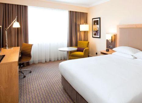 Hotelzimmer mit Mountainbike im Clayton Hotel Burlington Road