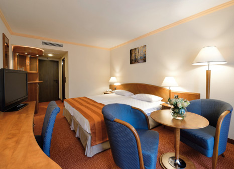 Hotelzimmer mit Tischtennis im Thermal Sárvár Health Spa Hotel