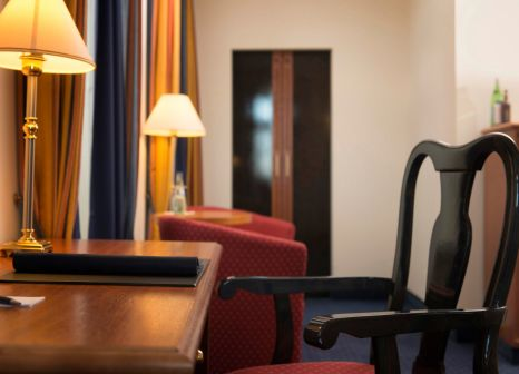 Hotelzimmer mit Pool im Radisson Blu Hotel, Halle-Merseburg