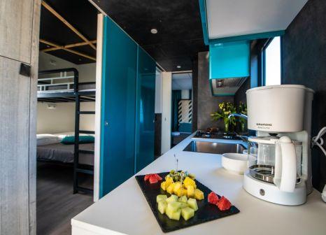 Hotelzimmer mit Volleyball im Arena Grand Kažela Camping Homes