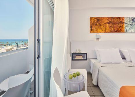 Hotelzimmer mit Minigolf im Atlantica Sancta Napa Hotel