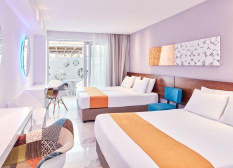 Hotelzimmer mit Volleyball im Atlantica Sancta Napa Hotel