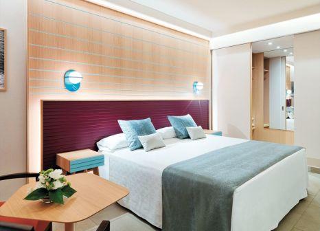 Hotelzimmer mit Mountainbike im Adrián Hoteles Roca Nivaria