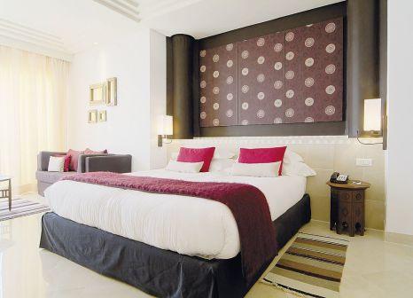 Hotelzimmer mit Mountainbike im Radisson Blu Palace Resort & Thalasso, Djerba