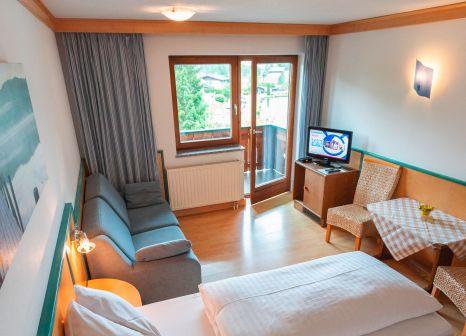 Hotelzimmer mit Tischtennis im Familienhotel Bad Neunbrunnen