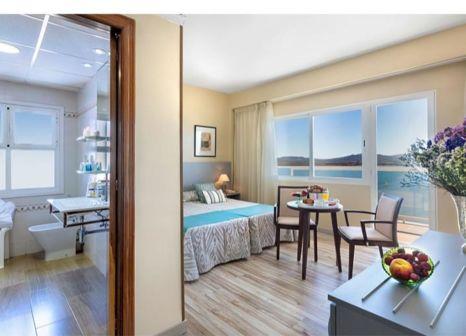 Hotelzimmer mit Mountainbike im Izán Cavanna Hotel