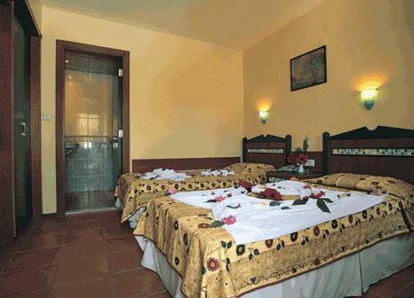 Hotelzimmer mit Tischtennis im Katre Hotel Oludeniz