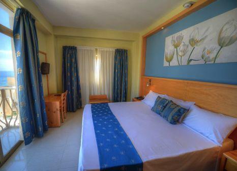 Hotelzimmer mit Mountainbike im Alexandra Hotel Malta