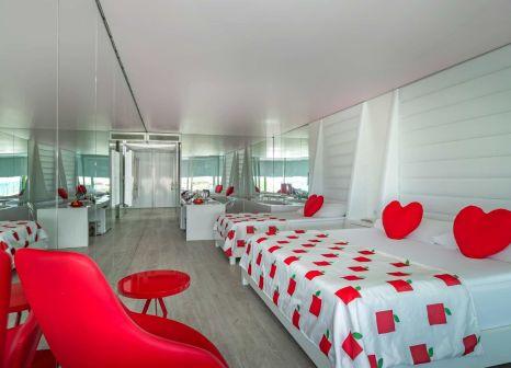 Hotelzimmer mit Volleyball im Adam & Eve