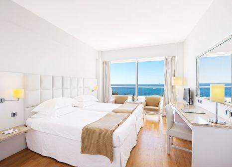 Hotelzimmer mit Mountainbike im Grecian Sands Hotel