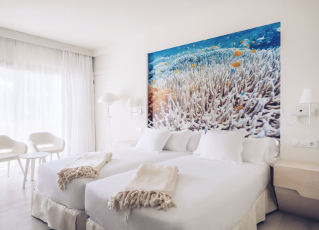 Hotelzimmer mit Volleyball im Iberostar Selection Fuerteventura Palace