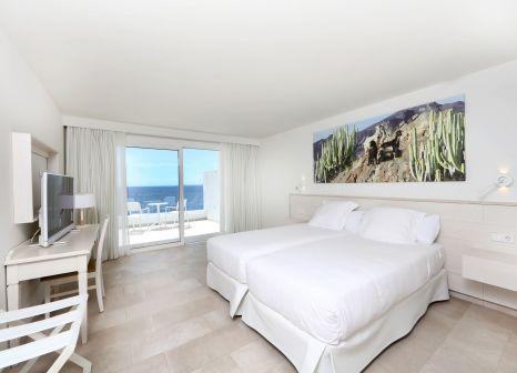 Hotelzimmer mit Mountainbike im Iberostar Selection Lanzarote Park