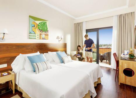Hotelzimmer mit Tischtennis im Mur Hotel Neptuno