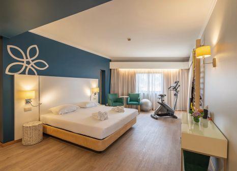 Hotelzimmer mit Volleyball im Sentido Hotel Galosol