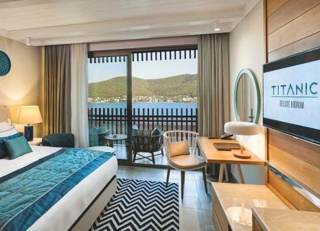 Hotelzimmer mit Volleyball im Titanic Deluxe Bodrum