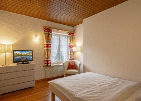 Hotelzimmer mit Tischtennis im Neuhaus